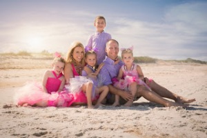nikkiholm_family